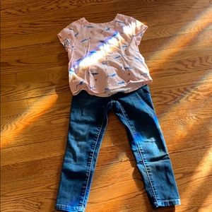 Tee and jeans a size 4